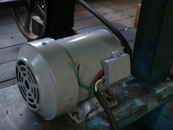 動力モーター