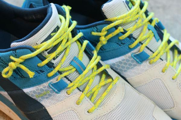 アクリル紐で靴紐